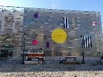Antonyo Marest se recrea con el arte urbano en la Biblioteca Pública