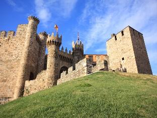 Adéntrate en el medievo de la mano de Ponferrada y su castillo de los Templarios