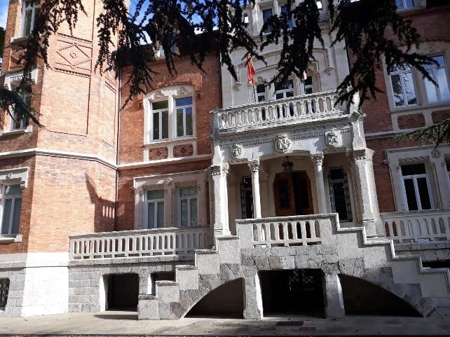 palacio-isla-puerta-entrada