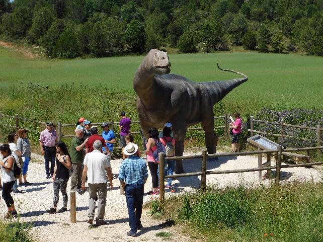 dinosaurio-salas-museo-visitas