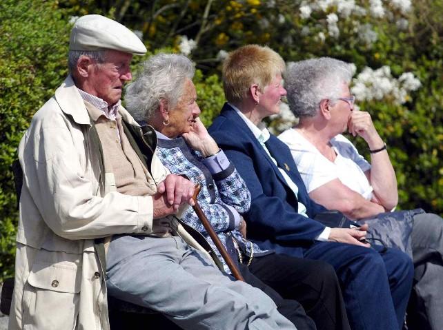 Jubilados-sentados