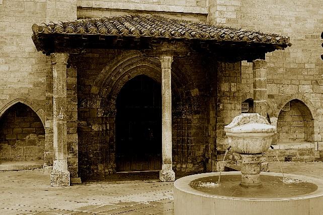 puerta-iglesia-de-san-esteban