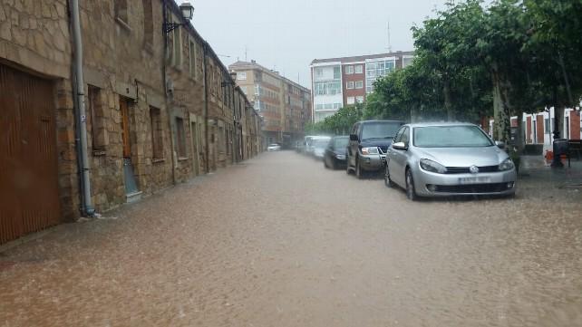 Calles Anegadas En Salas De Los Infantes Por La Lluvia Burgos
