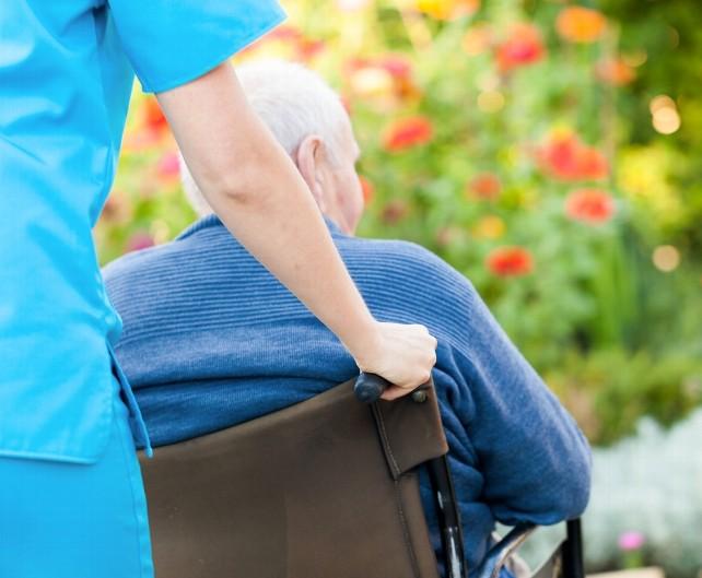 persona-dependiente-anciano-mayores