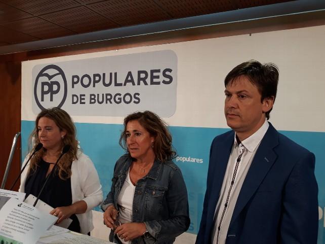 senadores-pp-popular-cristina-ayala-begoña-contreras-arturo-pascual