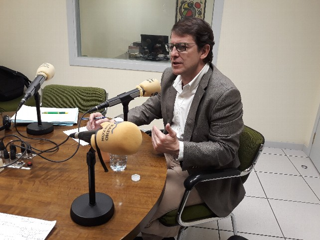 estudio-radio-presidente-manueco