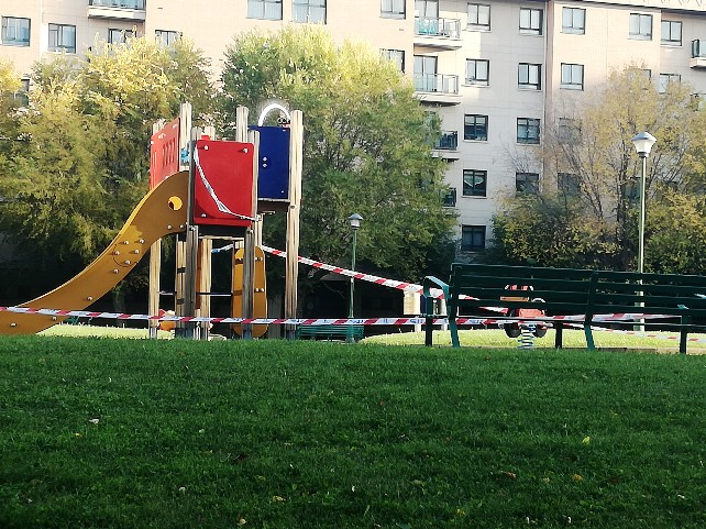 parque-burgos-precintado-juego