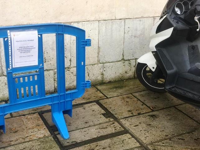 valla-moto-aparcar