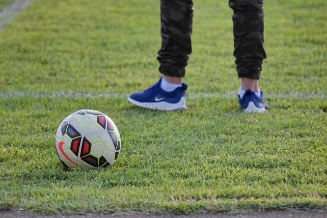 futbol-campo-pelota-deporte