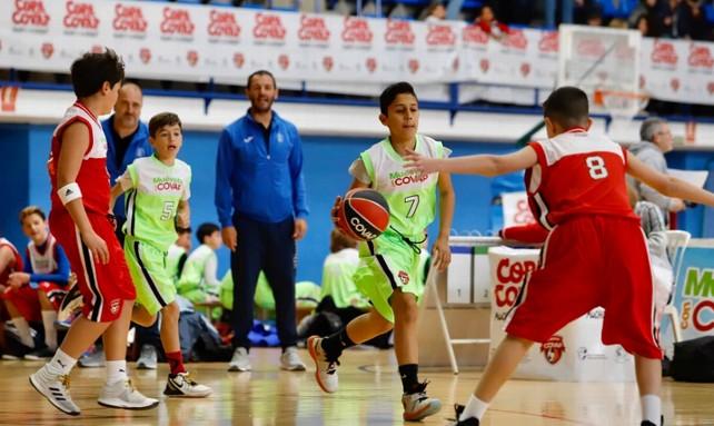 ninos-deporte-baloncesto