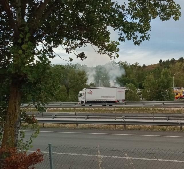 incendio-camion-paja