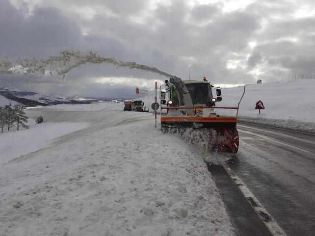 nieve-burgos--quitanieves-fresa-carretera-n623