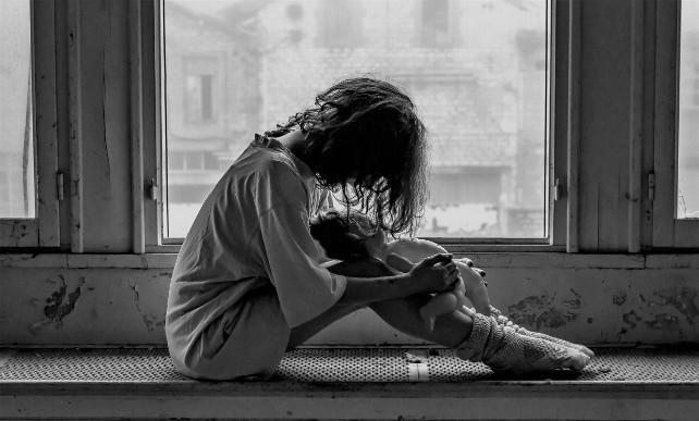 trastorno-piscotico-soledad-sola-nina