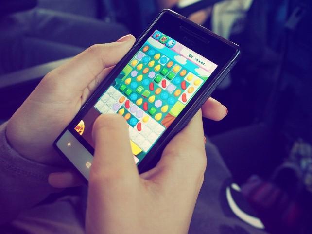 jugar-movil-telefono-app