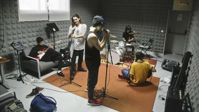 banda-musica-grupo-local-ensayo